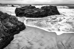 (Abel AP) Tags: beach rocks sand water ocean waves pacificocean californiacoast bigsur montereycounty california usa pacificcoasthighway landscape outdoors nature blackandwhite bw monochrome abelalcantarphotography