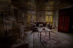 Encore une magnifique visite en 2019 ! (Vincent Le Borgne - Photographie Mystérieuse) Tags: abandoned abandonné salon voiture photographeart photographiebelgique urbex paranormal