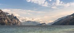Campagnola, Lago di Garda / Italia 2019 (MonkeyTakingPics) Tags: italia italy lago di garda lagodigarda gardalake lake clouds mountains water sky blue summer holliday travel nature scenery panarama landscape landscapephotography sony sonyalpha sonya7iii a7iii campagnola malcesine wide angle