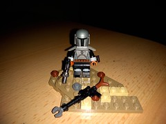 Mandalorian helmet number two, again from a jango helmet and the wonderful rifle, what do you think? (dentablend) Tags: custom lego star wars the mandalorian bounty hunter minifigure rifle pistol helmet