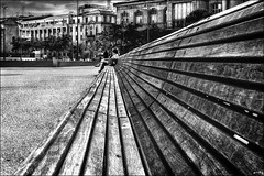 La dame du bout du banc  / The lady at the end of the bench (vedebe) Tags: marseille ville city urbain rue street urban humain human banc bench noiretblanc netb nb bw monochrome