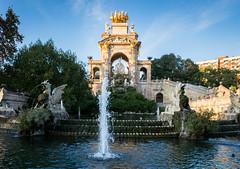 Cascada del Parc de la Ciutadella (jmosos.44.c) Tags: cascada del parc de la ciutadella barcelona españa spain fountain fuente parque park cataluña catalunya horses sky trees monumento monument