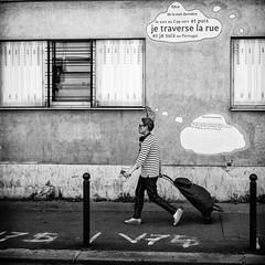 Souriez, ça fait du bien 😀 (kitchou1 Thanx 4 UR Visits Coms+Faves.) Tags: france summer art paris street people city architecture bw europe exterior world nb