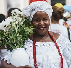 Baiana (rabello_) Tags: people portrait photography fotografia retrato bahia brasil brazil axé salvador smile sorriso encanto fé lavagem bonfim festa popular populares