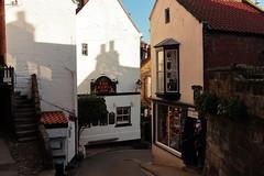 Robin Hood's Bay (Mike.Dales) Tags: robinshoodbay thelaurelinn pub buildings northyorkshire northyorkmoorsnationalpark street england