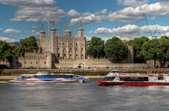 The Tower of London. (Lee Nichols) Tags: highdynamicrange hdr handheldhdr photomatix canoneos600d photoshop tonemapping tonemapped touristattraction tourists touristlondon tourism londontourism london toweroflondon thames riverthames pleasureboats