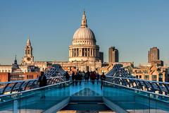 St. Paul's Cathedral (Derwisz) Tags: stpaulscathedral church cathedral baroque london cityscape milleniumbridge skyline christopherwren england canoneos40d architecture