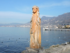 DSCN0464 (keepps) Tags: switzerland suisse schweiz vaud winter lacléman art wood bois sculpture