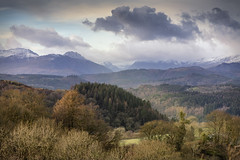 Conwy Valley, Snowdonia. (Ffotograffiaeth Dylan Arnold Photography) Tags: eryri snowdonia conwyvalley wales moelsiabod tryfan carneddau gwydir gwninger llanrwst betwsycoed capelgarmon moeltrefriw forest mountains snow outdoors outside landscape nature clouds sky moody atmospheric landscapephotography tranquil peaceful countryside rural majestic northwales light sunlight trees winter hills view vista wooded hillside valley bare dappled field meadow pasture cymru canon24105mmf4l canoneos6d exploring explore adventure hiking walking trekking familywalk