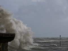 Tempête Fabien (Adèle Halleguen) Tags: lomener tempête storm mer fabien wind waves harbor bretagne