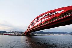 Kobe bridge (Teruhide Tomori) Tags: kobe sea harbor japan japon afternoon sunset bridge kobebridge 神戸大橋 港 夕焼け 橋 日本 神戸港 ポートアイランド北公園
