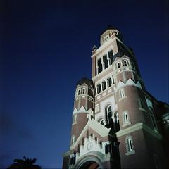014 2020-01-14 (kccornell) Tags: 2020 366 365 120 6x6 medium format film hasselblad 500c kodak portra 400 saint johns cathedral church night lafayette louisiana