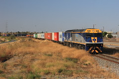 Balco/Wine Train (Matt Caines) Tags: bowmans railways rail freight intermodal sct container transport trains railroad el class locomotive gl cfcla australia dry creek adelaide south standard gauge yard penfield flinders port export photography canon consist summer sunshine sky blue clear