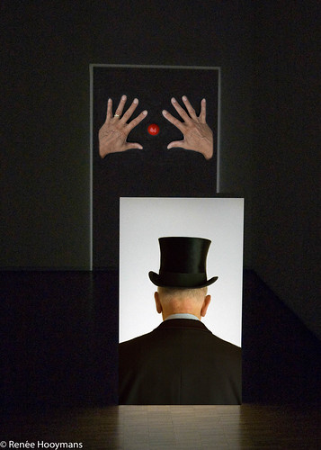 Magritte Magician