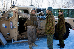 "Marines explain the capabilities of the Joint Light Tactical Vehicle to Japanese soldiers (#PACOM) Tags: northernviper nv2020 northernviper2020 coldweathertraining marines usmc usmarines hokkaido japan japanese jgsdf japangroundselfdefenseforce bilateral indopacific hokudaienn yousubetsu ""usindopacificcommand usindopacom"" hokkudaientrainingarea"