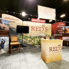 2020-01-21_11-58-08 (Red's Fly Shop) Tags: sportsmans show booth