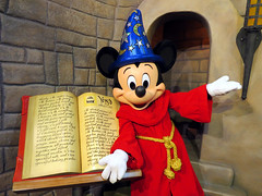 Mickey Mouse (meeko_) Tags: mouse mickey fantasia mickeymouse characters disneys sorcerersapprentice disneycharacters commissarylane mickeyandminniestarringinredcarpetdreams redcarpetdreams world florida disney hollywood waltdisneyworld studios walt themepark disneyshollywoodstudios