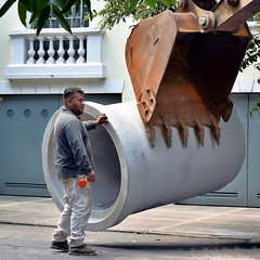 Major Work on Juan de La Barrera I (25 August 2015) (Carl Campbell) Tags: nikond5200 construction street cdmx ciudaddeméxico mexicocity coloniacondesa workman