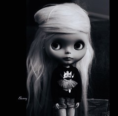 Bunny and the tutu-cat 🐰🐈💕 (pure_embers) Tags: pure embers blythe doll dolls custom neo uk laura england girl pretty pureembers photography portrait tinycutethings blackandwhite monochrome big eyes