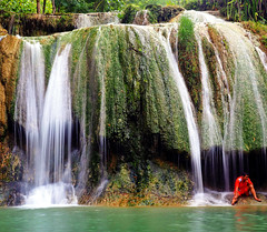 A small waterfall in Java, Indonesia (Tiket2) Tags: asia asiatravel indonesia travel travelpic travelphoto indonesian amazing stunning tiket2 creativecommons free freephoto attribution tourism tourist exotic tropical waterfall water java javenese