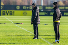 Borussia Dortmund manager Lucien Favre shouts instructions to his players, with captain Marco Reus by his side (verchmarco) Tags: bundesliga training borussiadortmund fussball bvb 2020 soccer fusball football competition wettbewerb man mann stadium stadion match spiel game grass gras ball cricket kricket adult erwachsene people menschen outdoors drausen coaching rugby actionenergy aktionsenergie business geschäft action aktion outfit teamwork zusammenarbeit 2019 2021 2022 2023 2024 2025