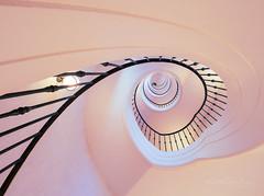 Smoothie (Karsten Gieselmann) Tags: 714mmf28 architektur em1markii mzuiko microfourthirds olympus treppenhaus architecture kgiesel m43 mft staircase stairs munich bavaria germany