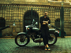 'Mumbai Saga': John's gangster look unveiled (newsivx) Tags: ivx news tech entertainment bollywood update