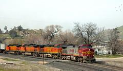 No Wedge Wednesday (GRNDMND) Tags: trains railroads bnsf locomotive ge c449w tehachapipass woodford keene california