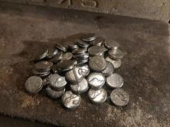 摩耗したりキズ有り等の単体では使用出来ないモルガンダラーからチェーンブレスレット用のパーツ抜き。  #coinjewelry #morgandollar #silvercoin #bracelet #chain #silveraccessories #silver900 #coinsilver #antique #vintage (Olde Ru$h) Tags: silvercoin bracelet antique vintage chain coinsilver morgandollar silver900 silveraccessories coinjewelry