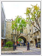 St John's Gate, St John's Lane, Clerkenwell, Farringdon, London, England UK (Stuart Smith_) Tags: england farringdon gbr geo:lat=5152174415 7dmkii britain british canoneos7dmkii english explore flickrgeotaggers geo:lon=010266653 gps greatbritain historical httpstudiaphotos mapped stuartsmith stuartsmithstudiaphotos studiaphotos uk wwwstudiaphotos geotagged london unitedkingdom 1504 brisetstreet clerkenwell knightshospitaller stjohnsgate stjohnslane stone