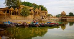 Gadisar Lake: Jaisalmer (hotvelreservation) Tags: lakes gadisar lake jaisalmer rajasthan