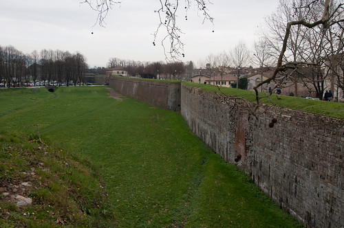 Fortified walls - Lucca