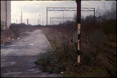 Friche (Gauthier V.) Tags: c200 fricheindustrielle voieferrée route usine aiseaupresles hainaut belgium