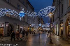 Christmas lights, Florianska, Krakow (PapaPiper) Tags: poland krakow krakówoldtown florianska christmaslights decoration street streetscene streetlights festive nightscape nightscene nighttime night city cityscape