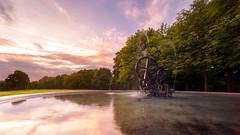Fontaine Jean Tinguely (Emotions-photo.ch) Tags: fribourg jean tinguely fontaine grand place eau arbre sunrise lever de soleil nuage couleur