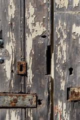 détail de porte 33 (Rudy Pilarski) Tags: nikon d750 minimalisme minimal minimalist minimalism architecture architectura abstract abstrait texture textura texturas line ligne old ancien usée city color couleur ciudad colour voyage travel trip france francia europe europa dors porte detail tamron matière forme form wood bois composition