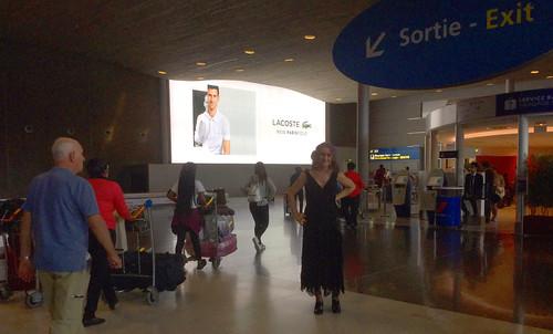 20180903 0433 - Claire's FFS - 03 - Paris airport - Claire - (by Carolyn) - 39330414_6483441