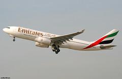 Emirates Airbus A330-243 A6-EAH (RuWe71) Tags: emiratesairline emirates ekuae unitedarabemirates dubai airbus airbusa330 a330 a332 a330200 a330243 airbusa330200 airbusa330243 a6eah msn409 fwwkt dusseldorfairport dûsseldorfinternational düsseldorfrheinruhr düsseldorfrheinruhrairport flughafendüsseldorf eddl dus widebody twinjet engines winglets