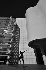 (Sergi_Escribano) Tags: streetphotography streetsofbarcelona sergiescribanophotography sergiescribano light laboqueria skatelife skateordie skateboard skater skateanddestroy barcelona barcelonastreetphotography blackandwhite blancoynegro architecture architecturephotography monocromático monochrome monochromatic macba