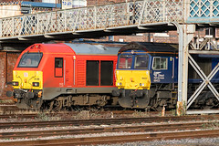 67028 DB Cargo & 66423 DRS_E5A0300 (Jonathan Irwin Photography) Tags: 67028 db cargo 66423 drs doncaster
