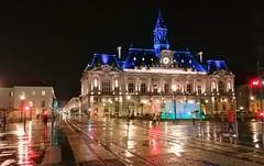 Tours - Mairie - Place Jean Jo (wam37) Tags: tours mairie place ville nuit bleublancrouge