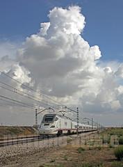 130 17.9.2010 (Mariano Alvaro) Tags: renfe 130 patito ave tren trenes serie nubes getafe alicante
