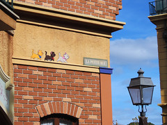 The Aristocats (meeko_) Tags: aristocats cat kitten toulouse berlioz marie chalk character chalkfullofcharacter france francepavilion worldshowcase epcot artfulepcot international festival arts festivalofthearts internationalfestivalofthearts themepark walt disney world waltdisneyworld florida