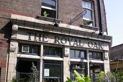 Royal Oak, London E2. (piktaker) Tags: london londone2 e2 royaloak pub inn bar tavern publichouse