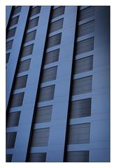 ? (Armin Fuchs) Tags: arminfuchs lavillelaplusdangereuse würzburg sanderau house building diagonal stripes windows blue niftyfifty