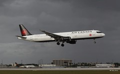 Airbus A321 (C-GJWN) Air Canada (Mountvic Holsteins) Tags: airbus a321 cgjwn air canada mia miami international airport