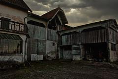Walking Dead (dec2bois) Tags: ciel horreur old home urbex délabré cloud sunset