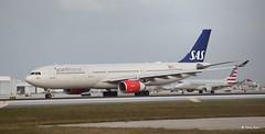 Airbus A330-300 (LN-RKH) SAS (Mountvic Holsteins) Tags: airbus a330300 lnrkh sas mia miami international airport
