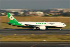 EVA Air Cargo / B-16782 / Taiwan Taoyuan International Airport (travelsolio) Tags: 長榮航空 cargo evaaircargo boeing777f5e 桃園機場 桃園機場觀景台 桃園空港展望デッキ 桃園空港第2ターミナル tpe rctp taiwantaoyuaninternationalairport