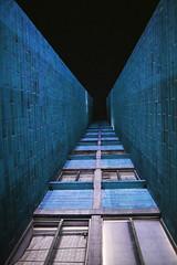 Vértigo (Luan.F) Tags: building edificio edificos buildings arquitecture arquitectura window ventana ventanas city ciudad noche lights photography
